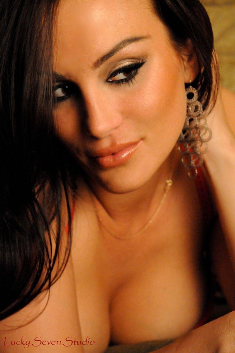 Christina Cindrich  nackt